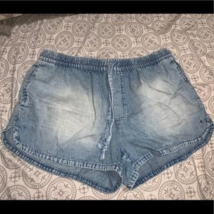 Aerie Chambray shorts
